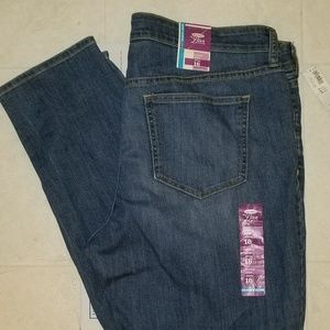 NWT OLD NAVY Size 16 adjustable skinny jeans